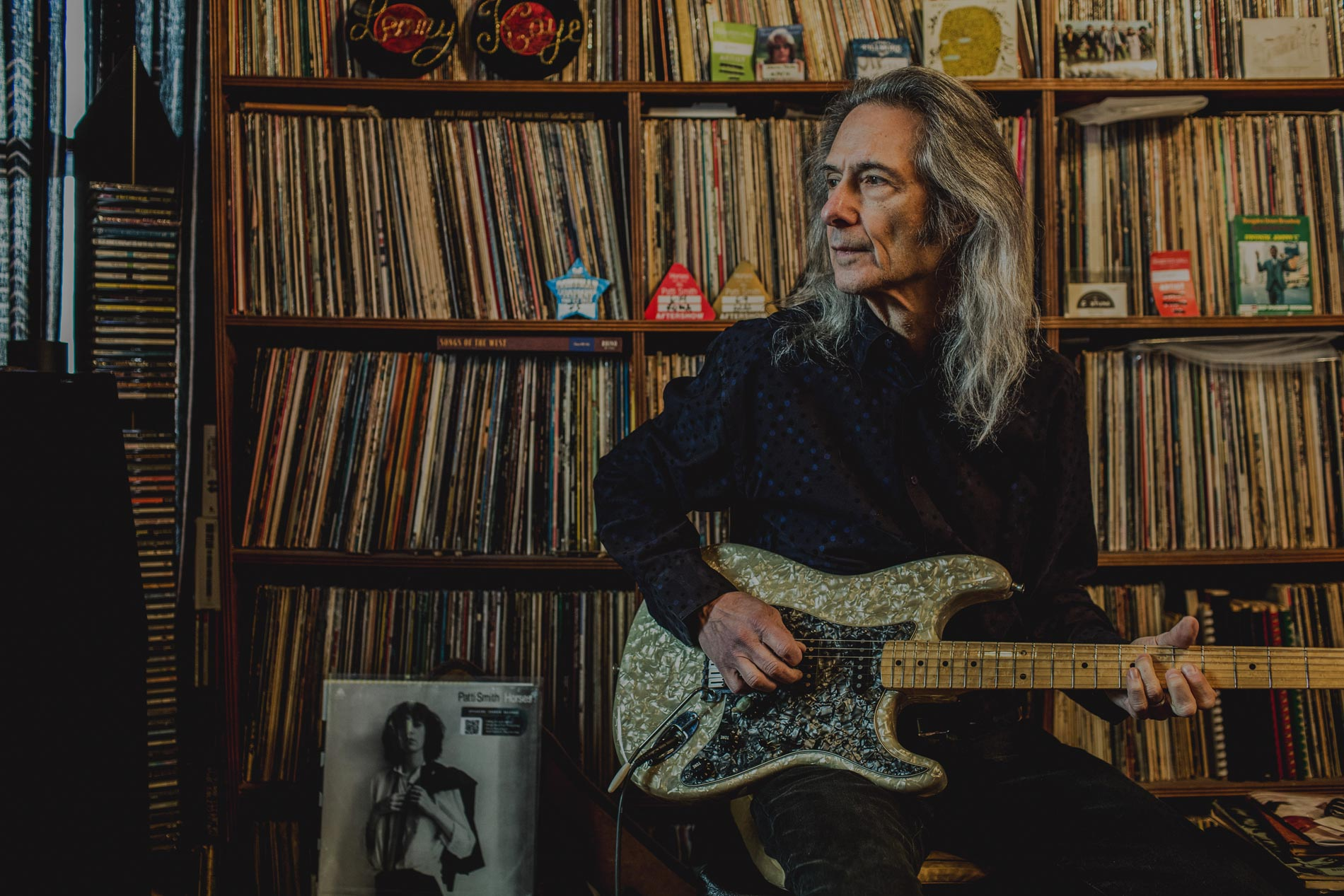 Lenny Kaye at his home